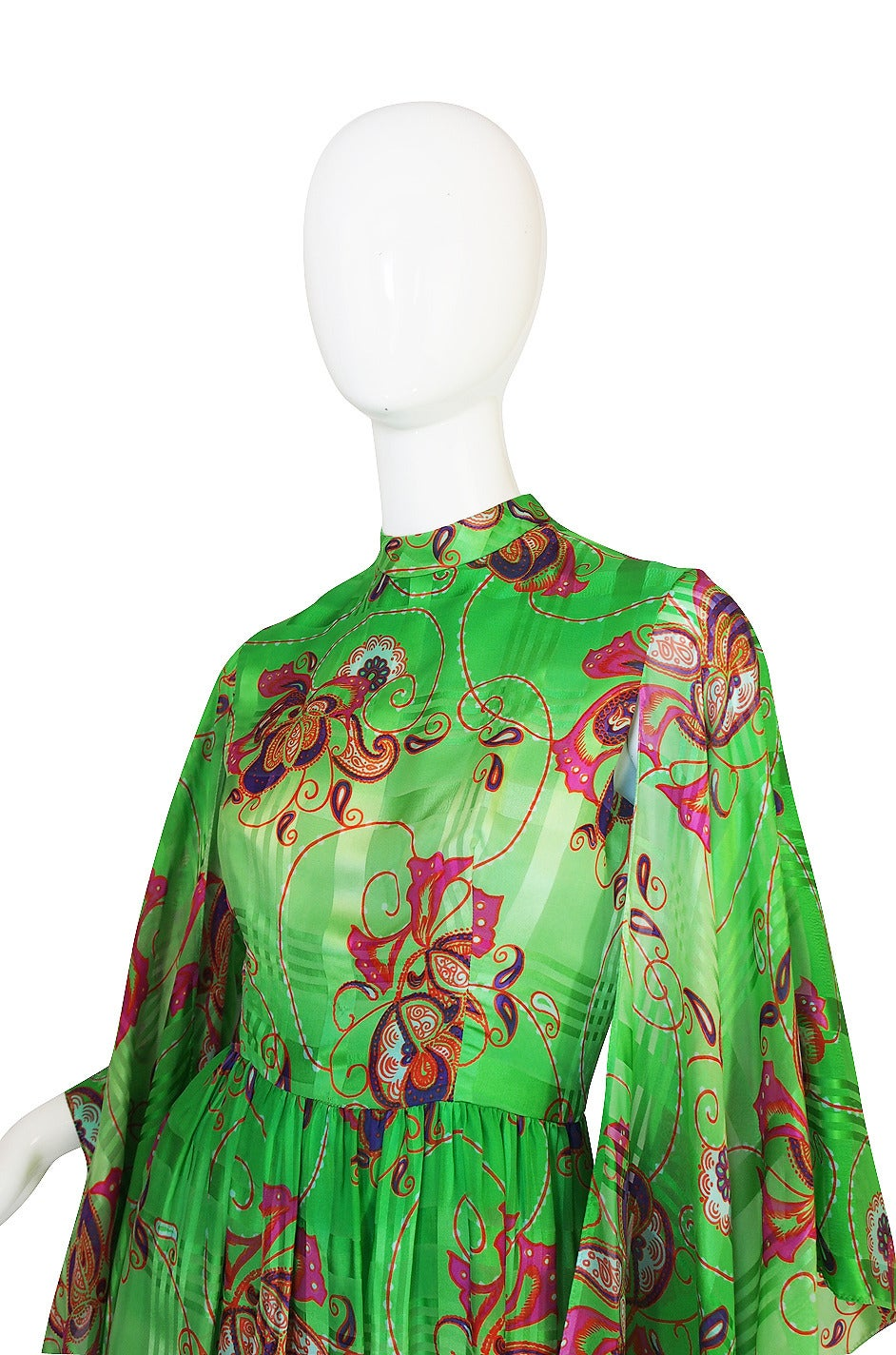 1970s Mollie Parnis Angel Kimono Sleeve Green Silk Dress For Sale 1