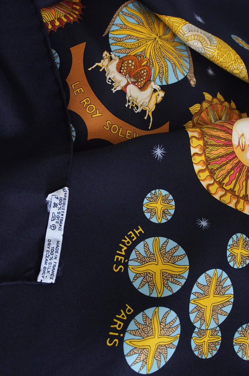 "1994 Annie Faivre ""Le Roy Soleil"" Hermes Scarf In Excellent Condition For Sale In Toronto, CA"