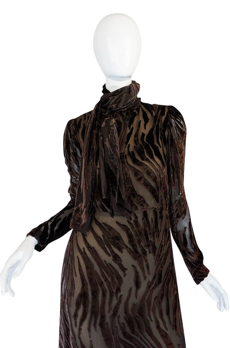 1970s Pauline Trigere Fused Velvet & Chocolate Silk Chiffon Dress In Excellent Condition For Sale In Toronto, CA