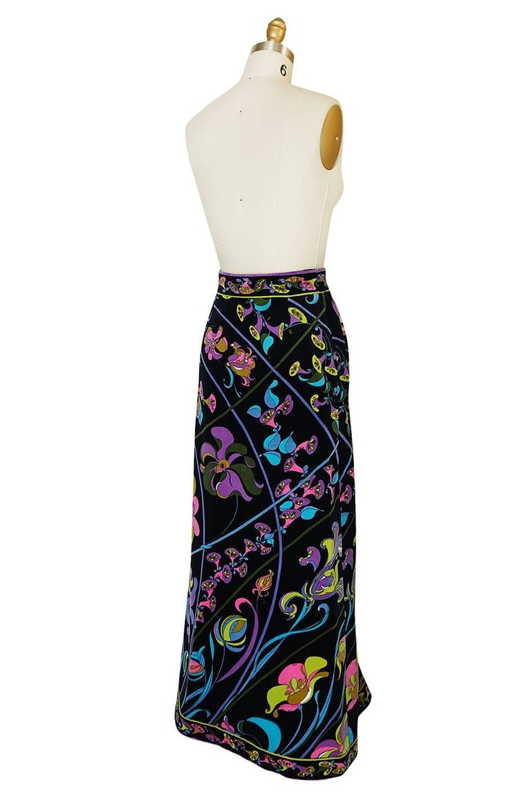 Is there anything better then a full length velvet Pucci skirt? I think they are one of my favorite vintage pieces and everyone should have one in their closet. The velvet ones like this one are the dreamiest. You can throw them on with just about