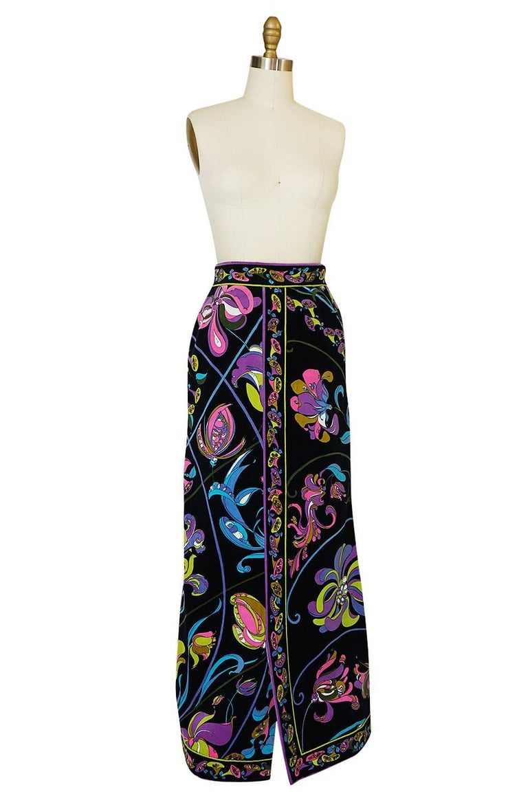 Women's 1960s Emilio Pucci Black Velvet With Vivid Floral Print Skirt For Sale