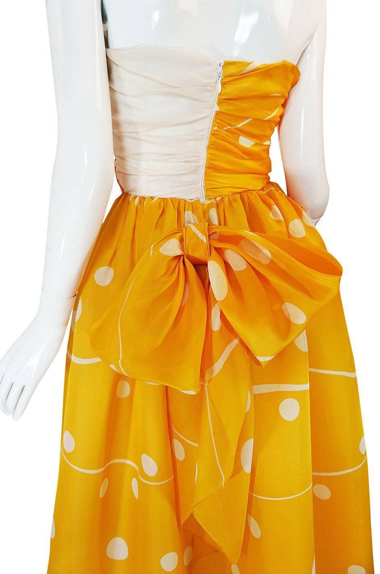 Documented 1985 Bill Blass Dotted Strapless Yellow Silk Dress For Sale 3
