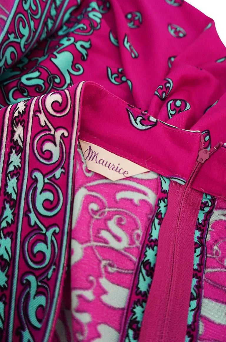1970s Maurice Vivid Pink and Turquoise Jersey Caftan Dress For Sale 6