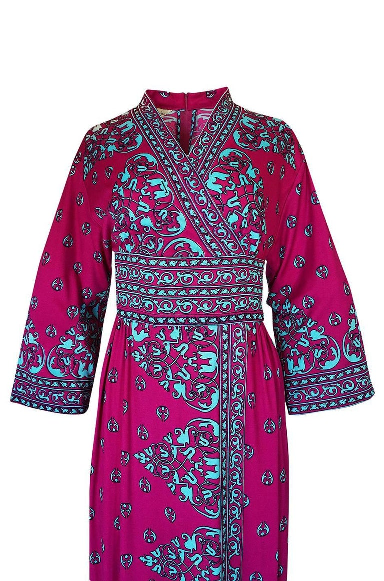 1970s Maurice Vivid Pink and Turquoise Jersey Caftan Dress For Sale 2