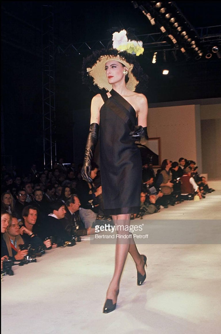 s/s 1987 Chanel Fitted Strapless Dress w Layered Silk Ribbon Detail For Sale 4