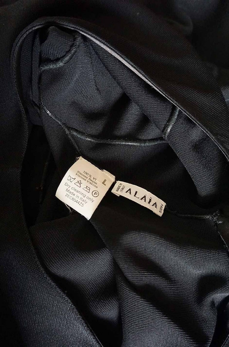 Documented F/W 2001 Azzedine Alaia Couture Runway Dress For Sale 2