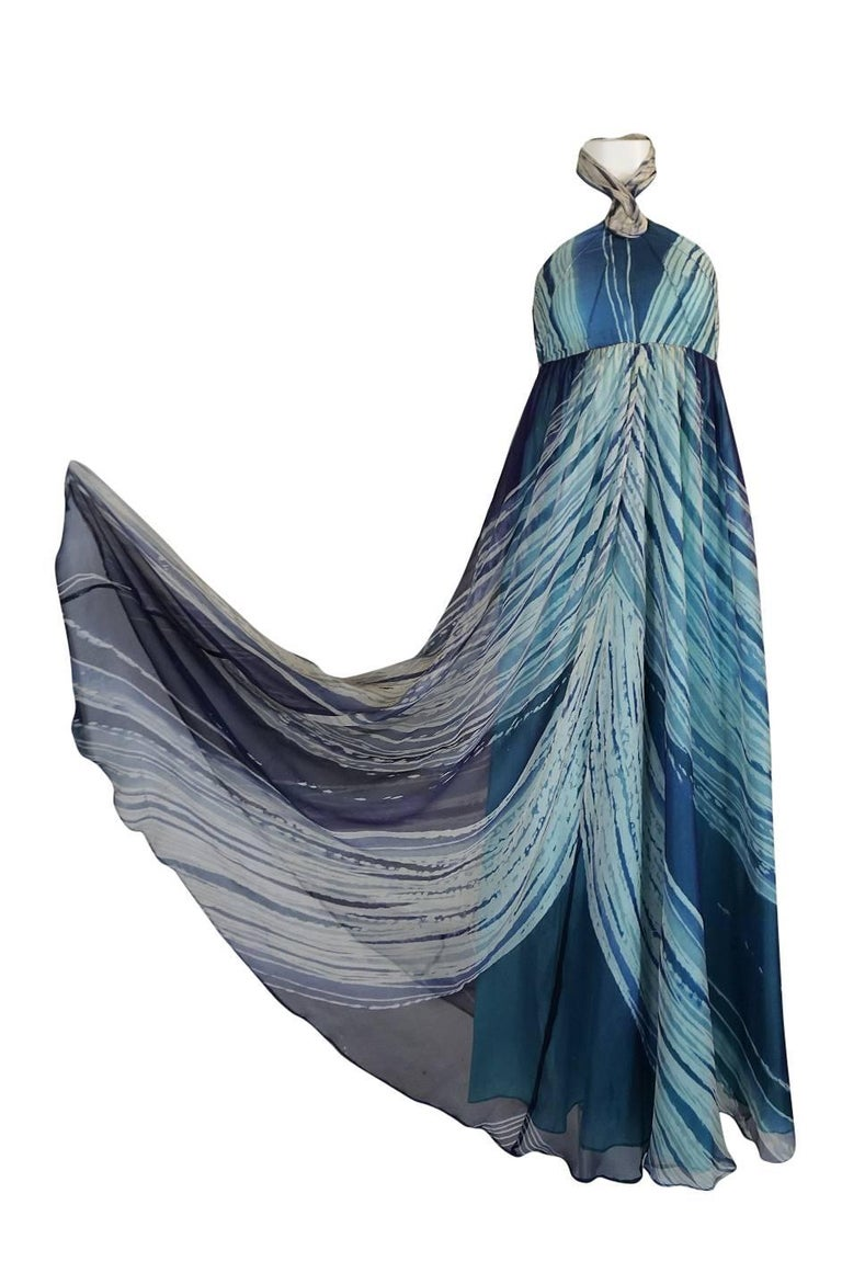 c.1974 Thea Porter Couture Documented 'Wave' Print Silk Chiffon Dress In Excellent Condition For Sale In Rockwood, ON