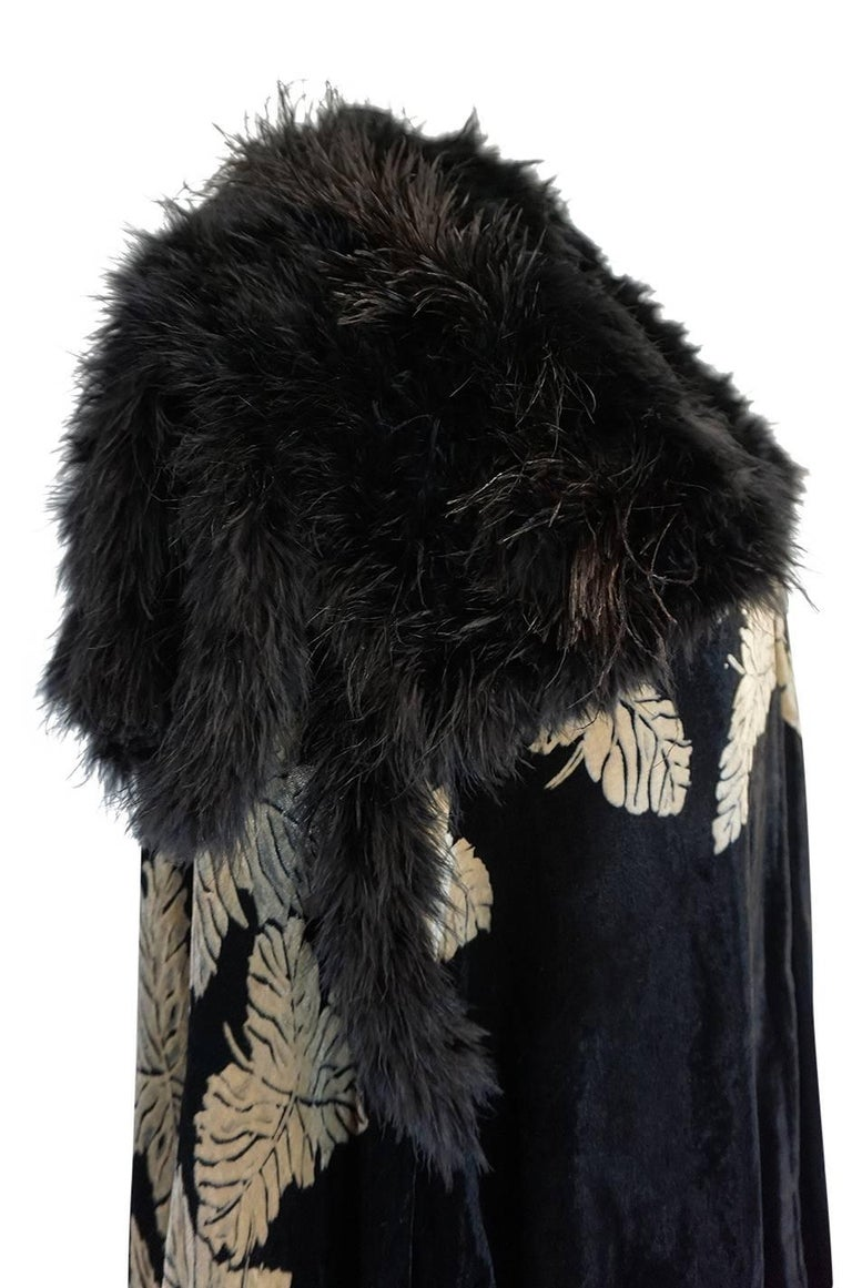 Extraordinary 1920s Evening Velvet & Feather Flapper Coat Cape For Sale 1