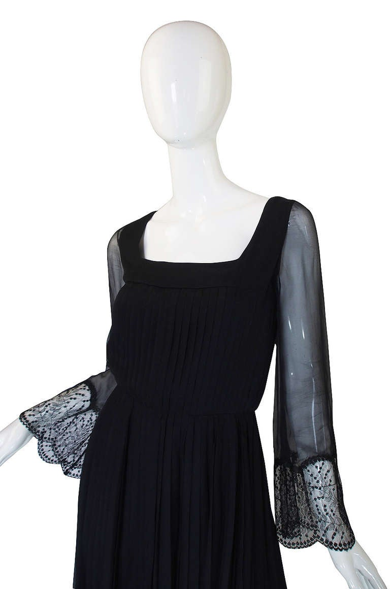 Rare 1960s Silk and Lace Jean Louis Dress In Excellent Condition For Sale In Rockwood, ON