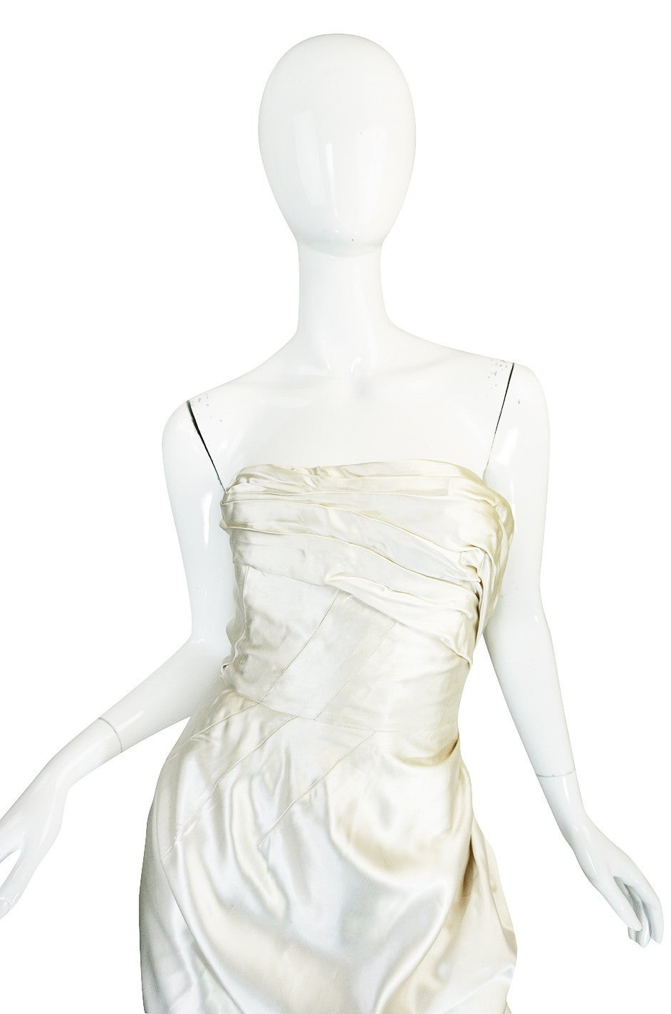 c1959 Maggy Rouf Haute Couture Champagne Silk Gown In Excellent Condition For Sale In Toronto, CA