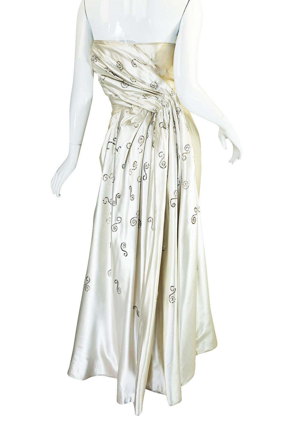 c1959 Maggy Rouf Haute Couture Champagne Silk Gown For Sale 1