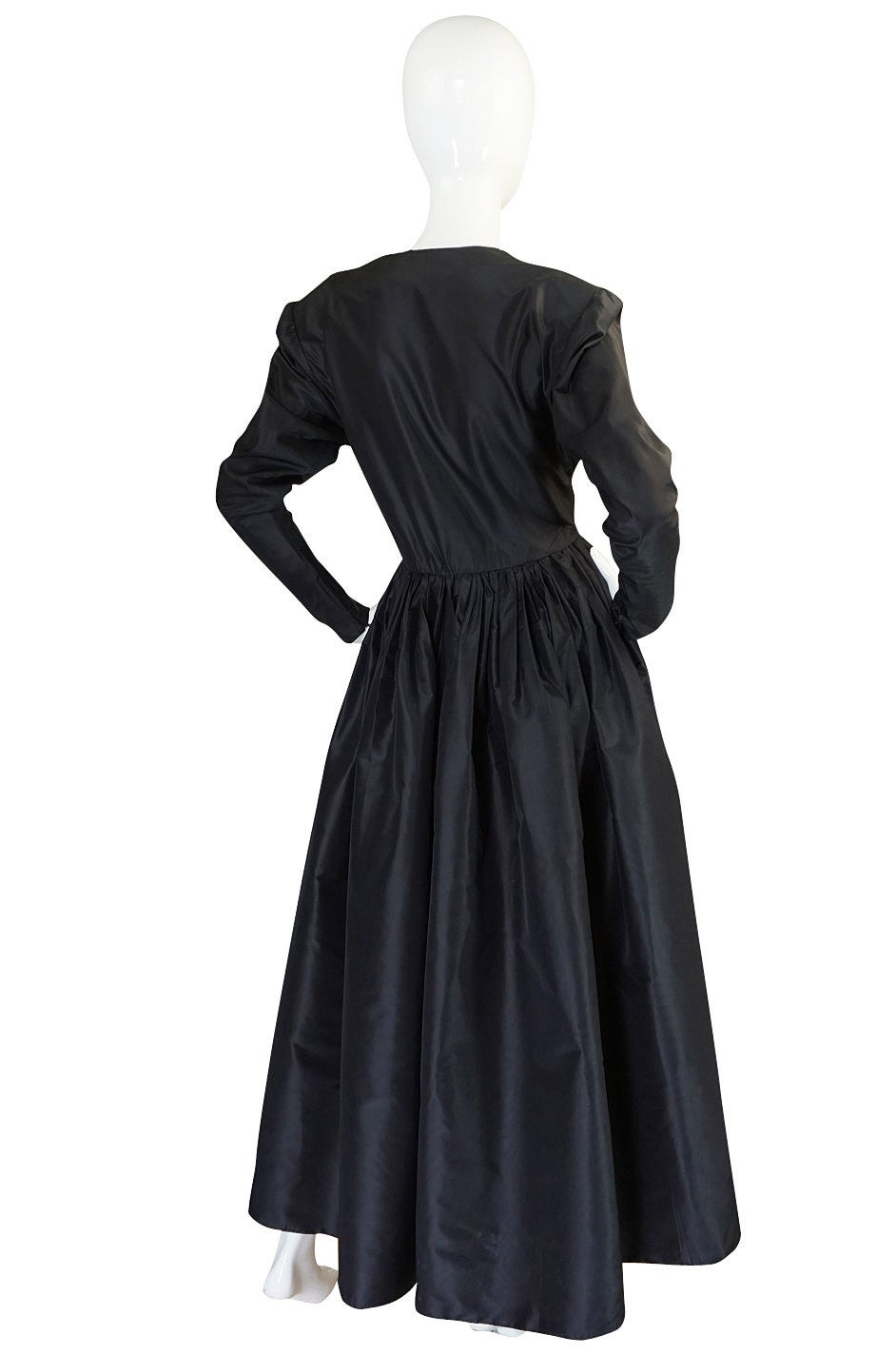 Exceptional 1970s Yves Saint Laurent Black Silk Dress In Excellent Condition For Sale In Toronto, CA