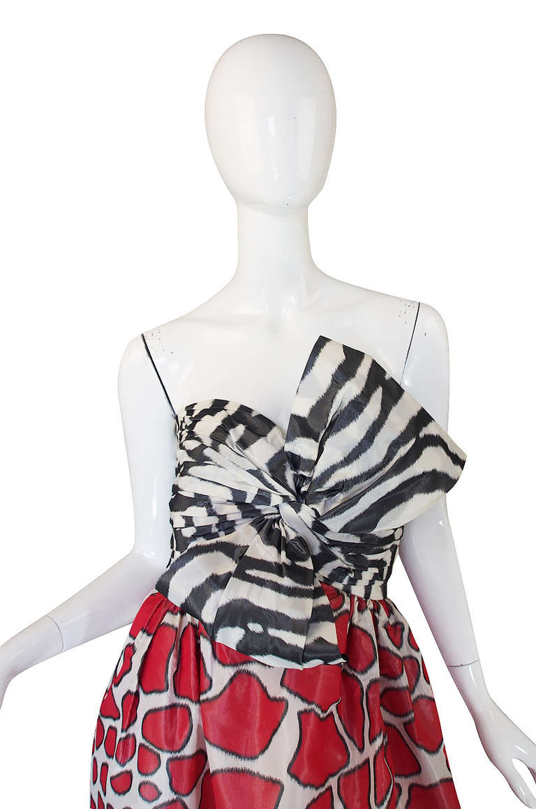 Adolfo Silk Print Strapless Gown, 1967  In Excellent Condition For Sale In Toronto, ON