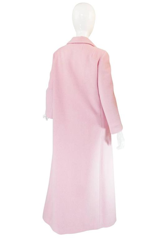 1960s Early Anne Klein Supermodel Length Pink Wool Coat In Excellent Condition For Sale In Toronto, CA