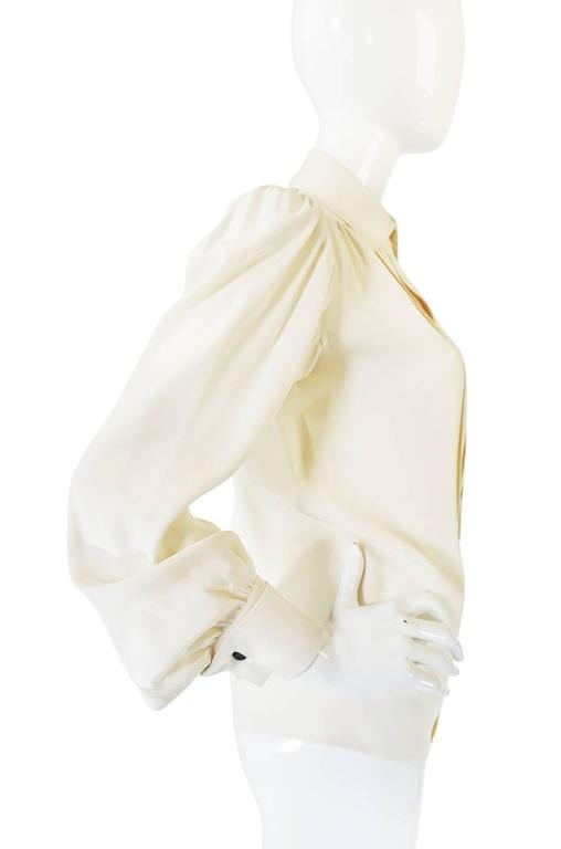 c.1979 Haute Couture Cream Silk Yves Saint Laurent Top In Excellent Condition For Sale In Toronto, ON
