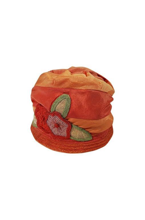 1920s Peach & Coral Silk Floral Applique Flapper Cloche Hat 5