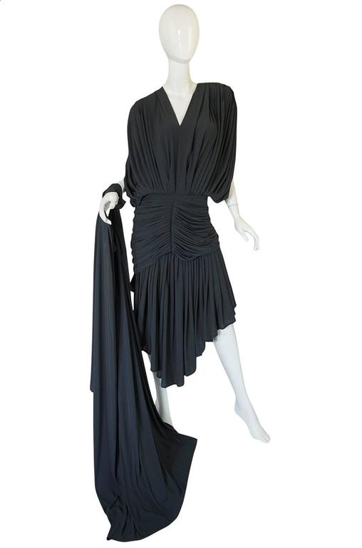 1980s Gray Norma Kamali Jersey Dress & Shawl Set In Excellent Condition For Sale In Toronto, CA