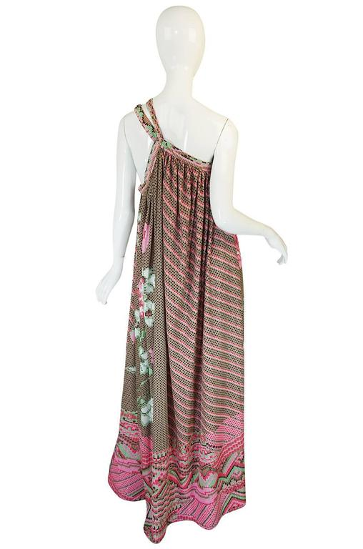 Rare 1970s Yuki Halter Caftan Digital Print Jersey Dress In Excellent Condition For Sale In Toronto, CA