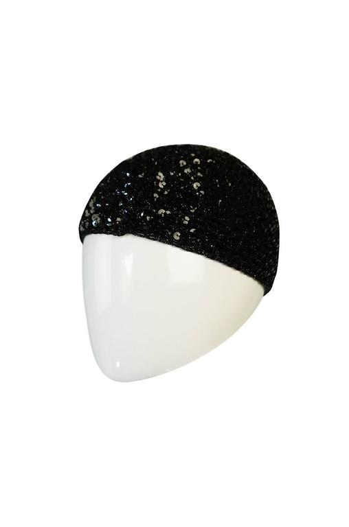 Rare 1970s Halston Glossy Black Sequin Skull Cap Cloche In Excellent Condition For Sale In Toronto, ON
