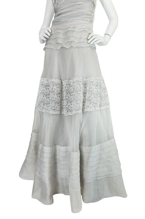 1950s Hardy Amies Couture Fine Silk Organza & Lace Dress For Sale 1