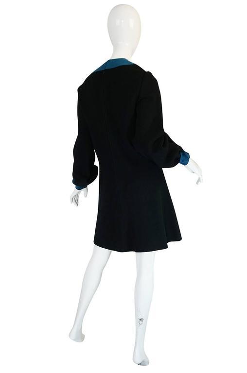 c1967 Pierre Cardin Demi-Couture Cut Out Neckline Dress 2