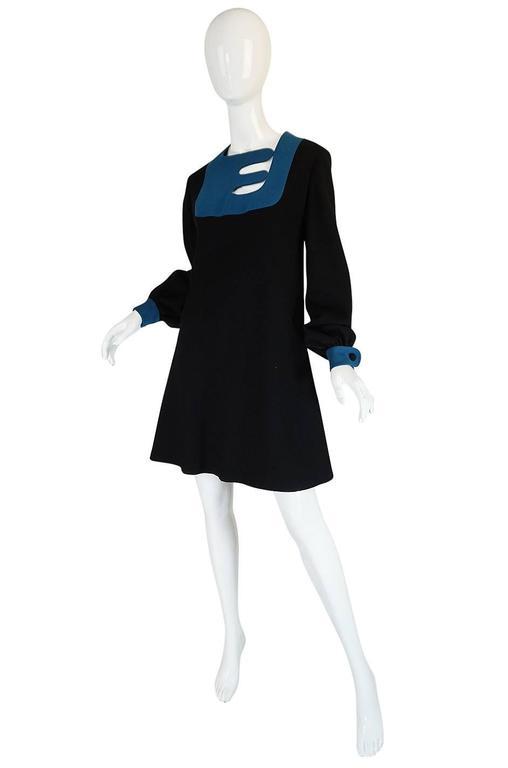 c1967 Pierre Cardin Demi-Couture Cut Out Neckline Dress 3