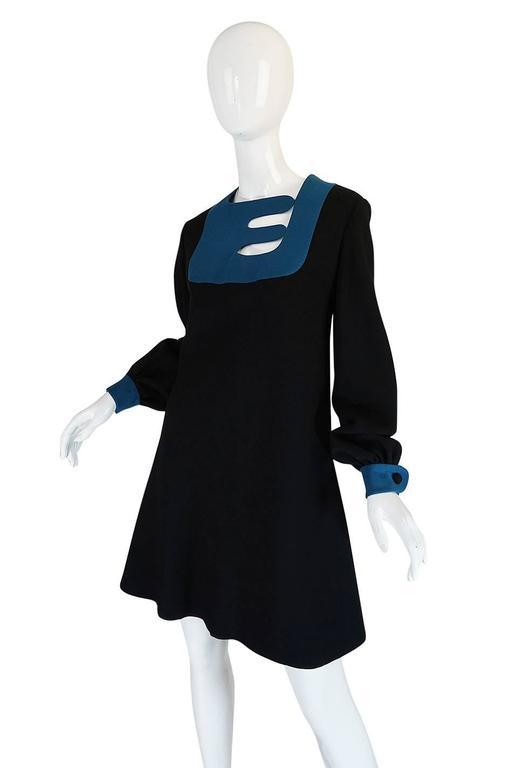 c1967 Pierre Cardin Demi-Couture Cut Out Neckline Dress 4