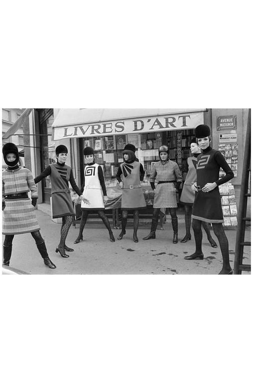 c1967 Pierre Cardin Demi-Couture Cut Out Neckline Dress 10