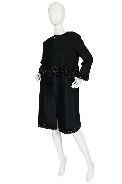 Beautiful 1950s Densely Beaded Black Silk Evening Coat In Excellent Condition For Sale In Rockwood, ON