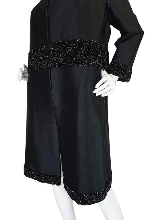 Beautiful 1950s Densely Beaded Black Silk Evening Coat For Sale 2