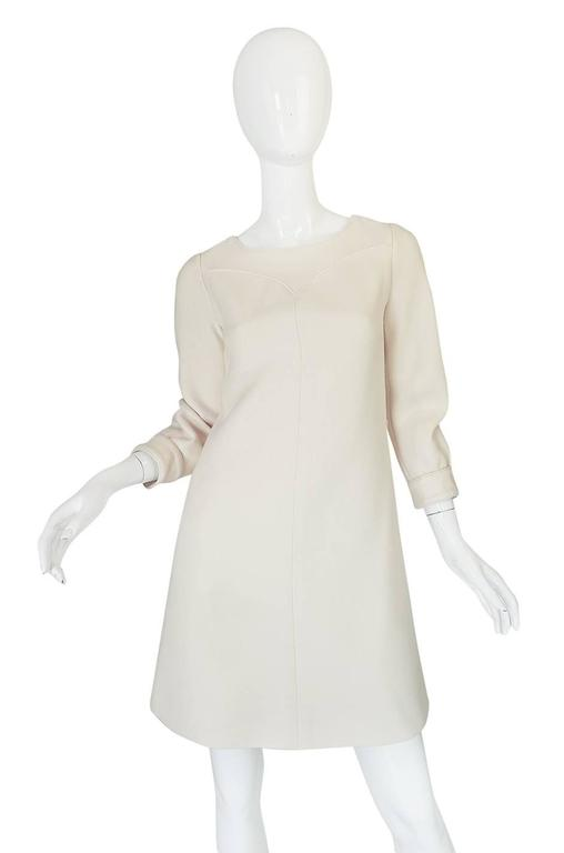 c1966 Courreges Haute Couture Mod Cream Dress In Excellent Condition For Sale In Toronto, ON