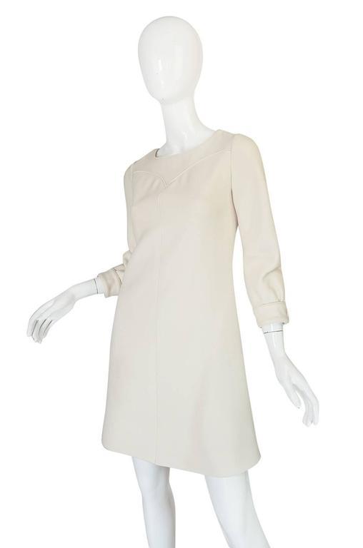 Women's c1966 Courreges Haute Couture Mod Cream Dress For Sale