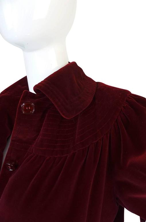 c.1981 Yves Saint Laurent Demi-Couture Garnet Velvet Smock Coat For Sale 3