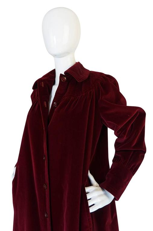 c.1981 Yves Saint Laurent Demi-Couture Garnet Velvet Smock Coat For Sale 2