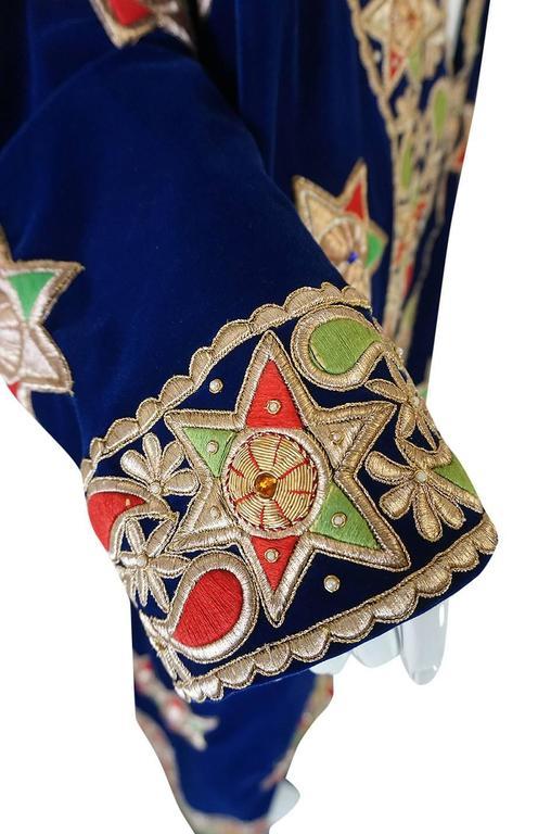 1960s Deep Blue Velvet & Embroidered Star Applique Coat For Sale 1