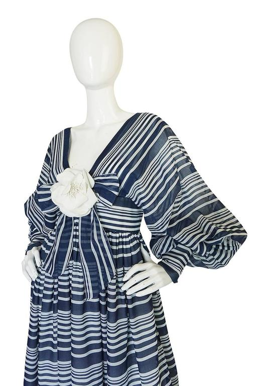 c1972 Geoffrey Beene Plunging Striped Summer Dress In Excellent Condition For Sale In Rockwood, ON