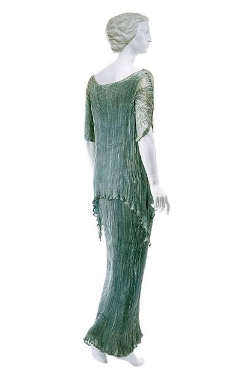 c1907-1920 Mariano Fortuny Pleated Muted Raspberry Silk Gown For Sale 5