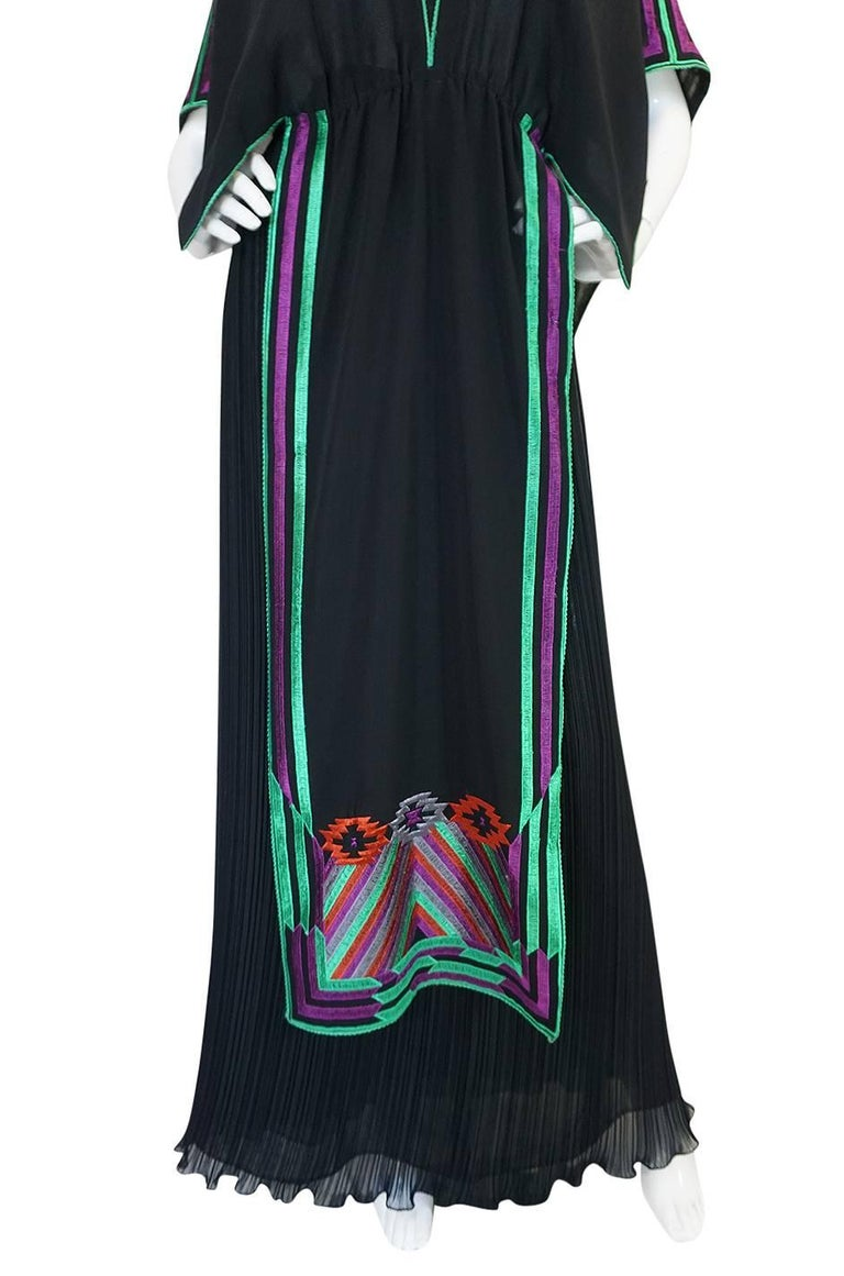 c1970-74 Janice Wainwright Embroidered Caftan Tabard & Skirt Set For Sale 2