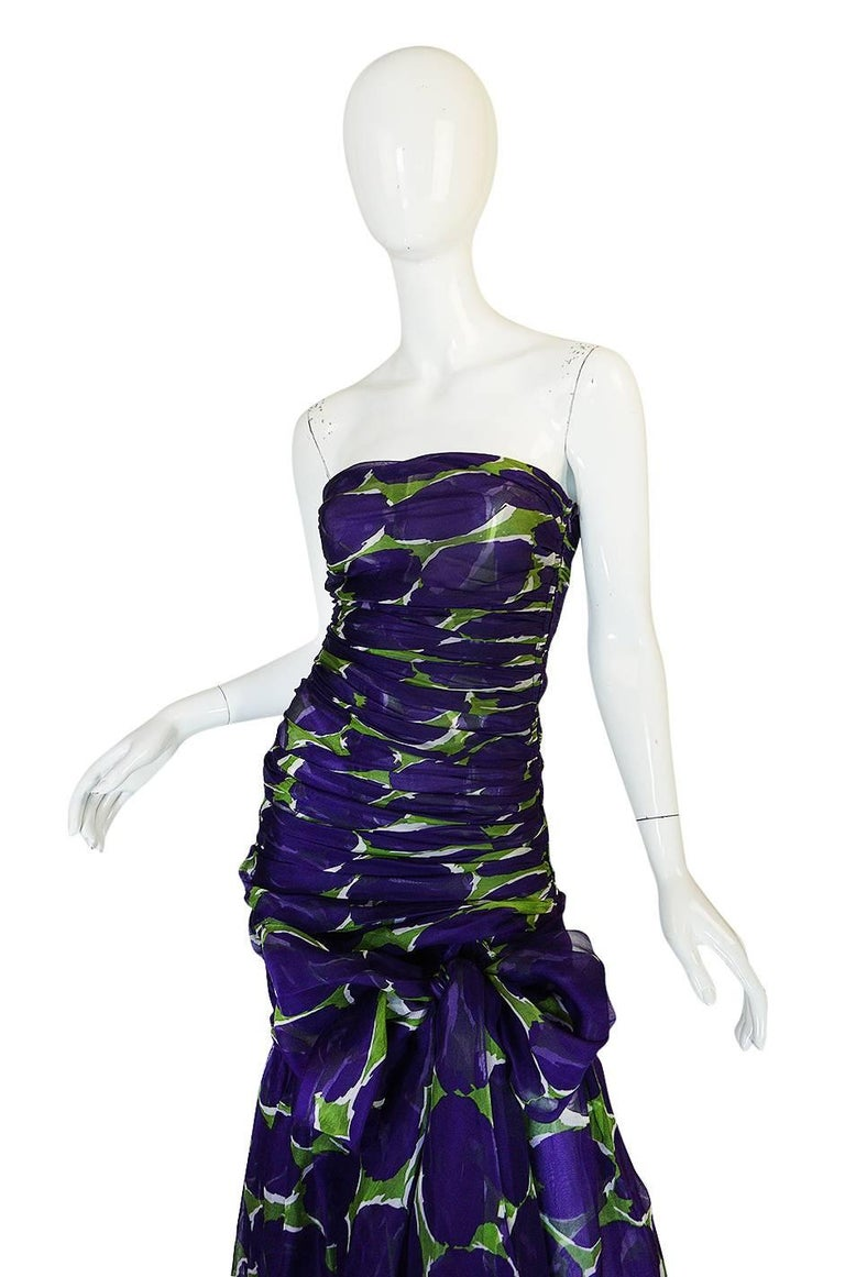 c1985 Yves Saint Laurent Purple & Green Silk Voile Strapless Dress In Excellent Condition For Sale In Toronto, CA