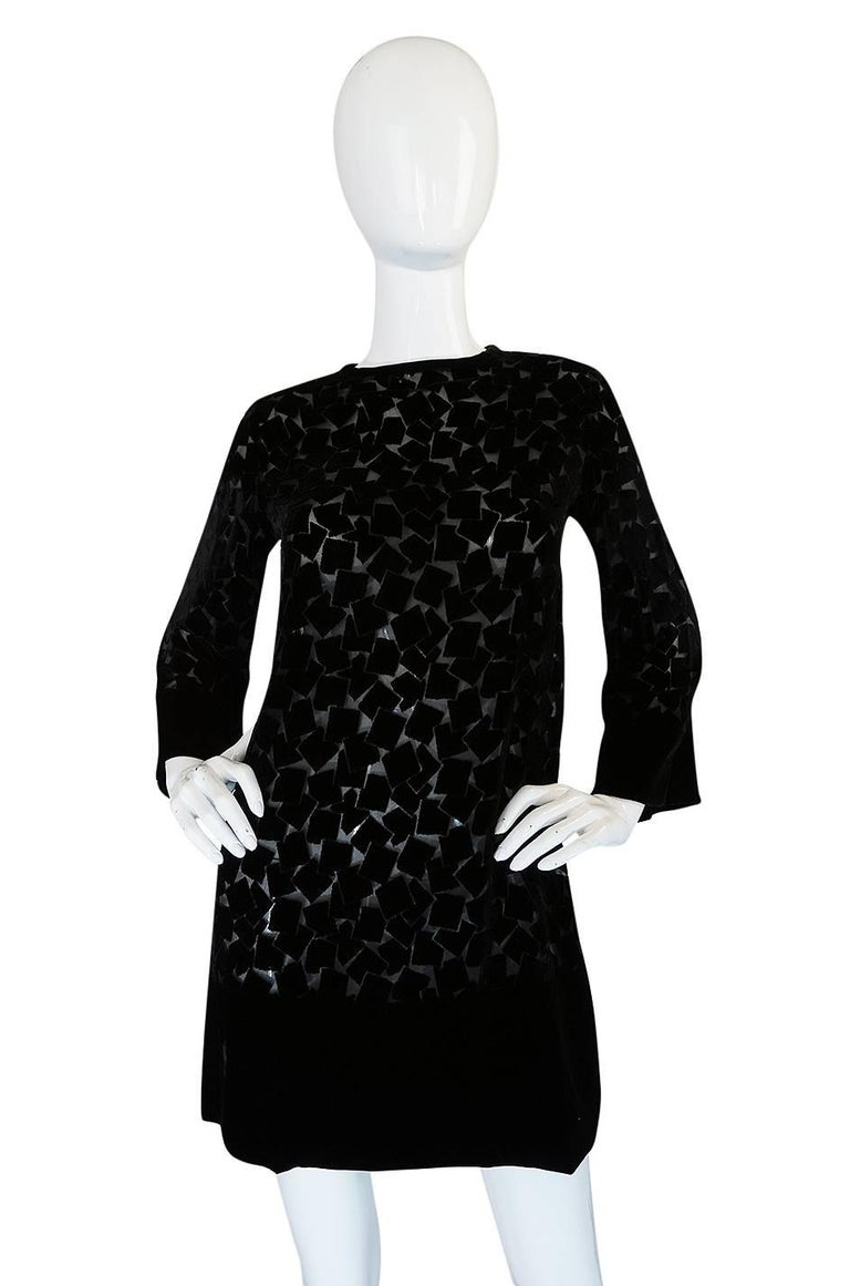 1970s Yves Saint Laurent Fused Velvet & Silk Chiffon Shift Dress In Excellent Condition For Sale In Toronto, CA