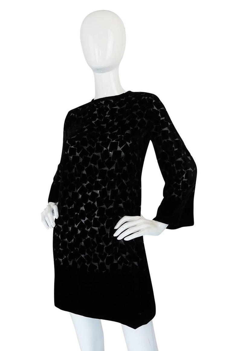 1970s Yves Saint Laurent Fused Velvet & Silk Chiffon Shift Dress For Sale 1