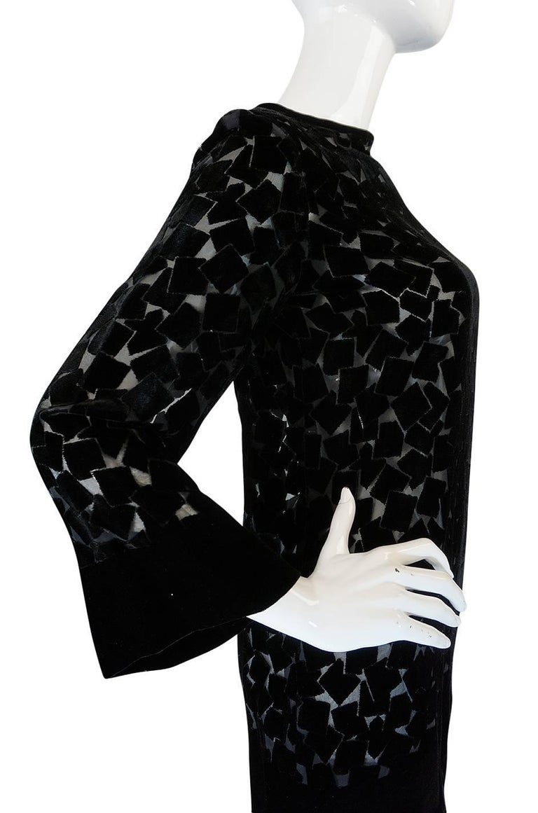 1970s Yves Saint Laurent Fused Velvet & Silk Chiffon Shift Dress For Sale 2