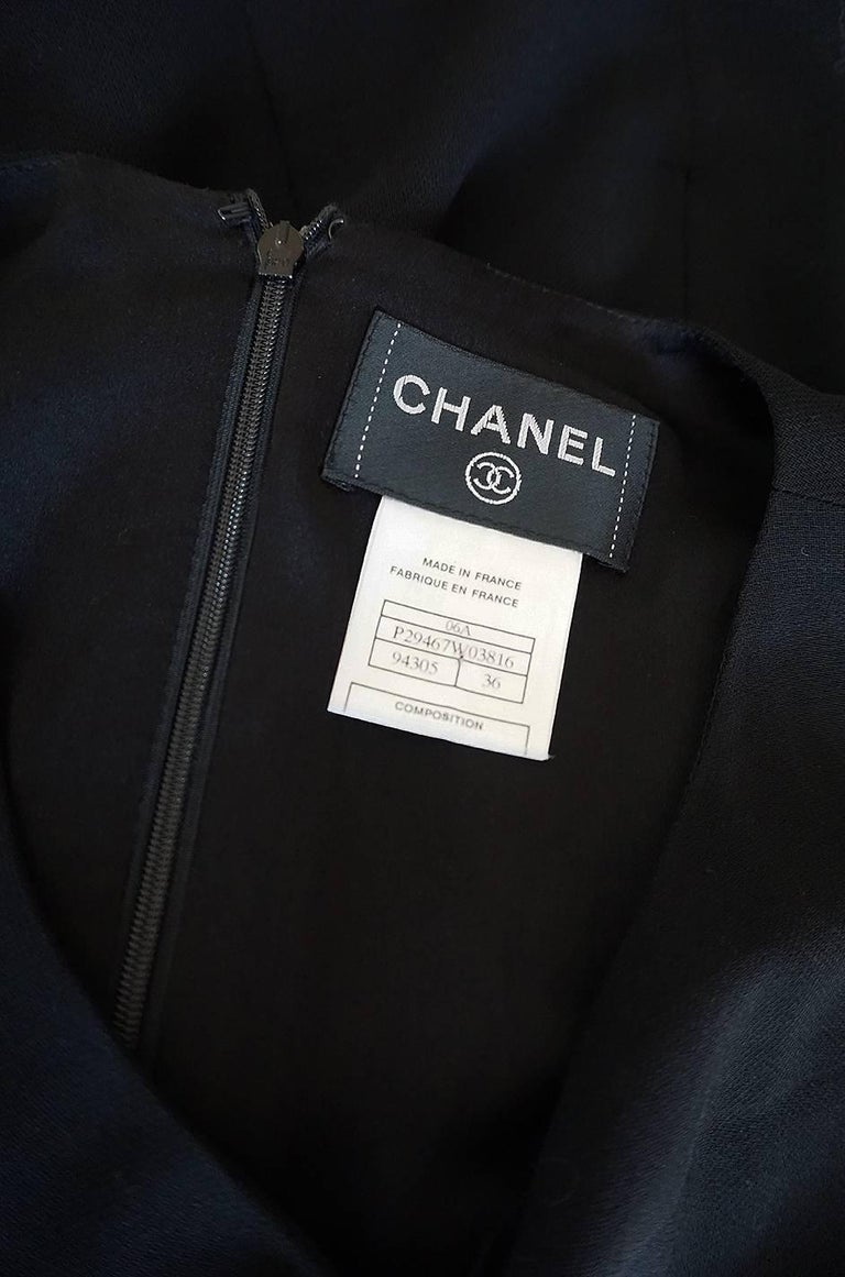 F/W 2006 Chanel Runway Little Black Fitted Stretch Dress For Sale 5