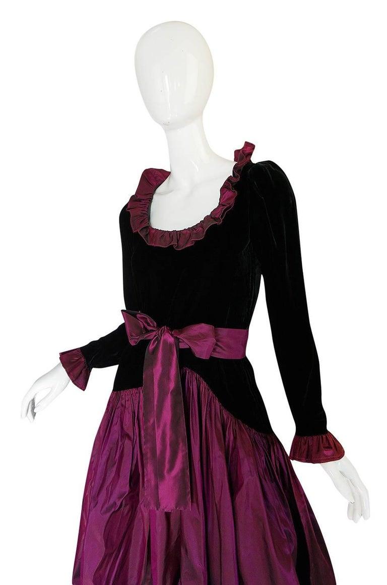 c1979-1980 Yves Saint Laurent Velvet & Silk Taffeta Dress In Excellent Condition For Sale In Toronto, ON