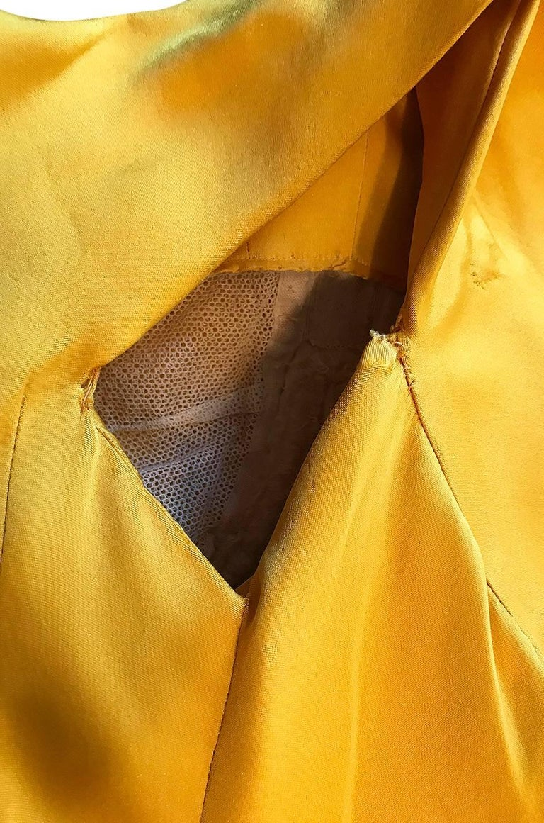 Balenciaga Haute Couture Book Piece Silk Sculpted Gown, 1962  For Sale 3