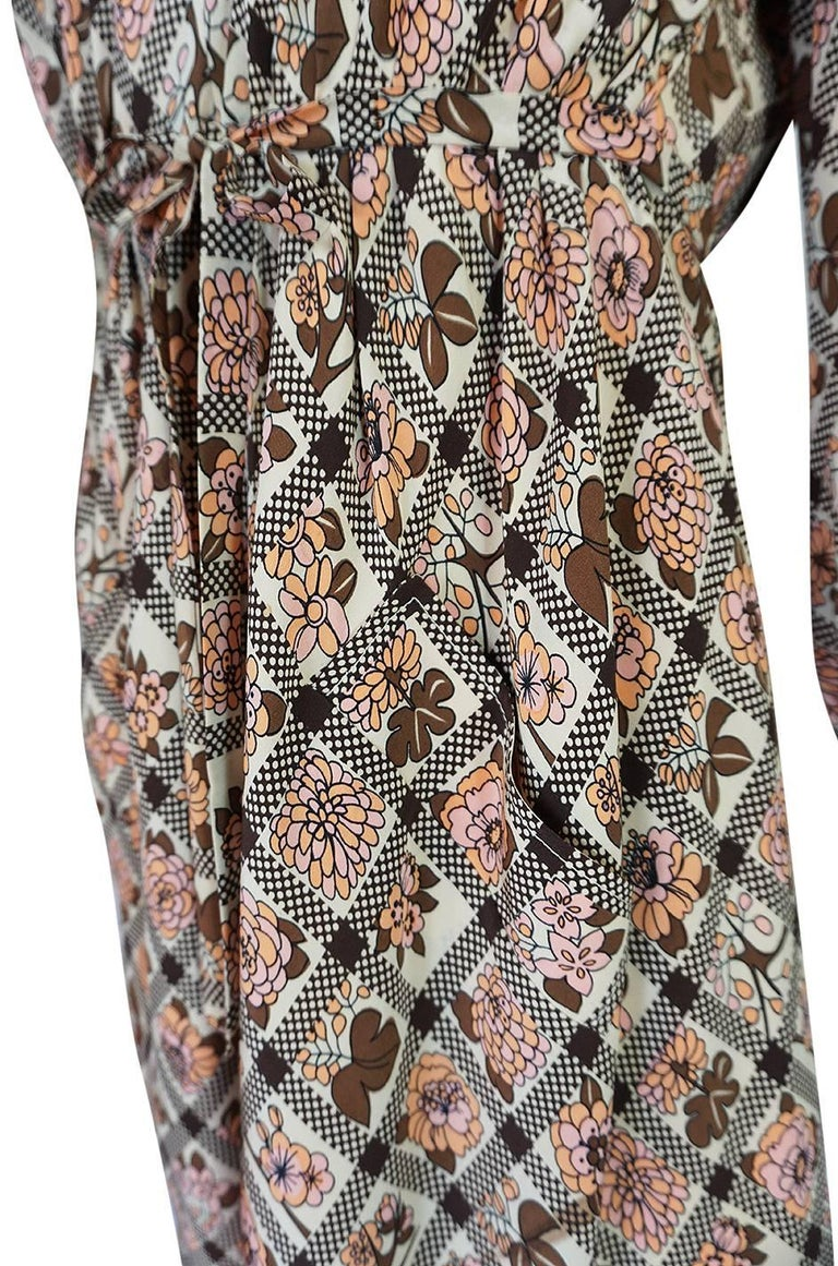 Early 1970s Emanuel Ungaro Haute Couture Printed Silk Day Dress For Sale 3