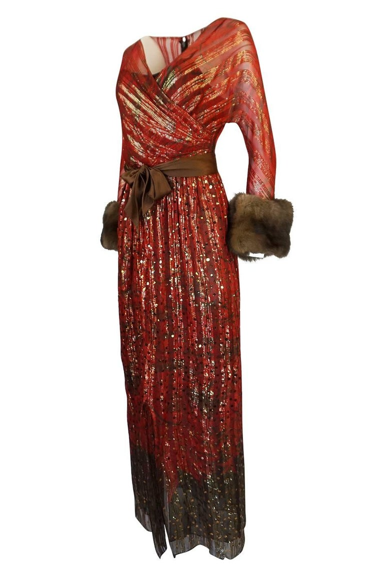1979 Bill Blass Hand Sequin Gold and Red Silk Chiffon Dress In Excellent Condition For Sale In Toronto, ON