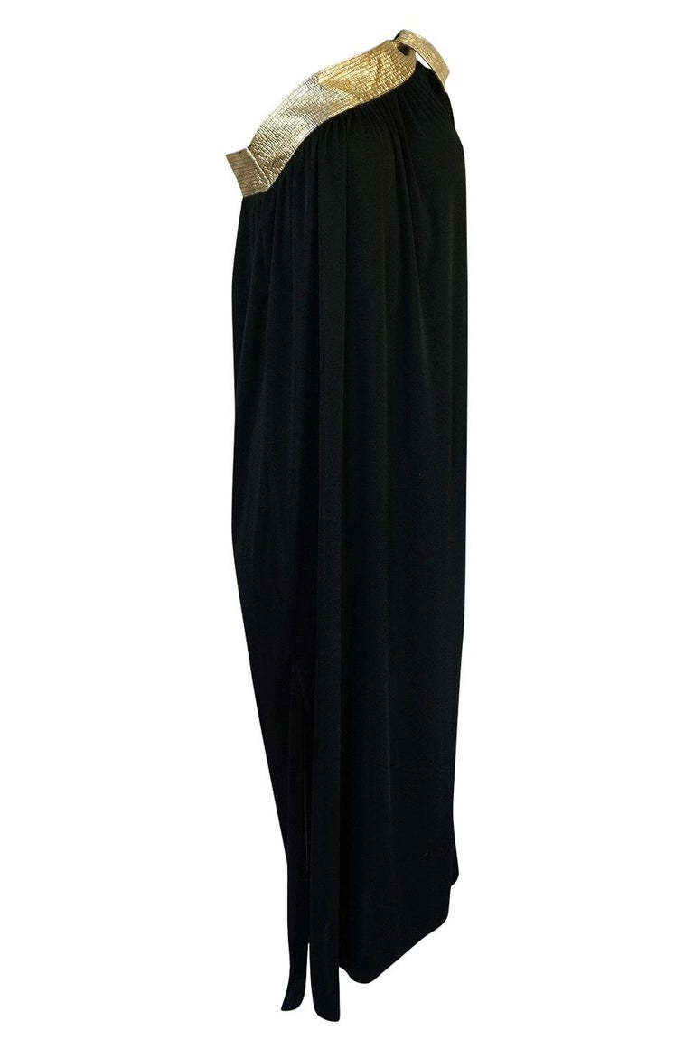 1980-1981 Bill Tice Black Jersey & Gold Accented Single Sleeve Dress In Excellent Condition For Sale In Rockwood, ON