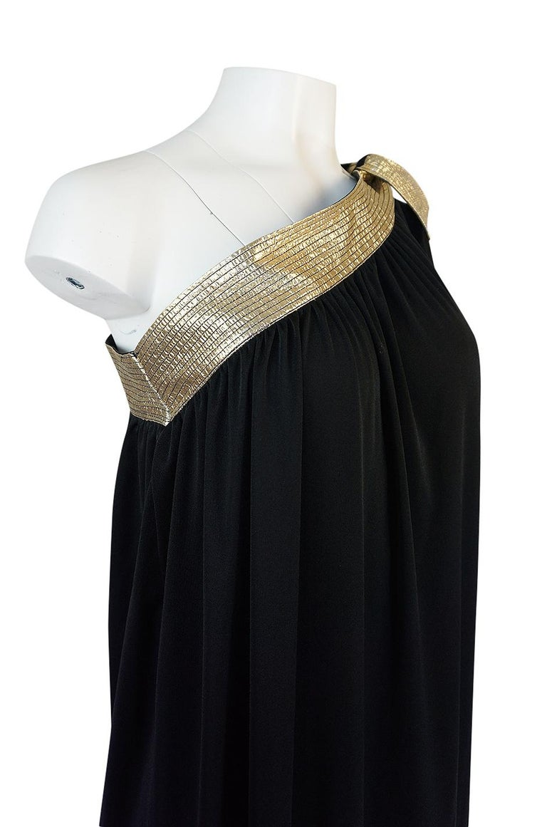 1980-1981 Bill Tice Black Jersey & Gold Accented Single Sleeve Dress For Sale 3