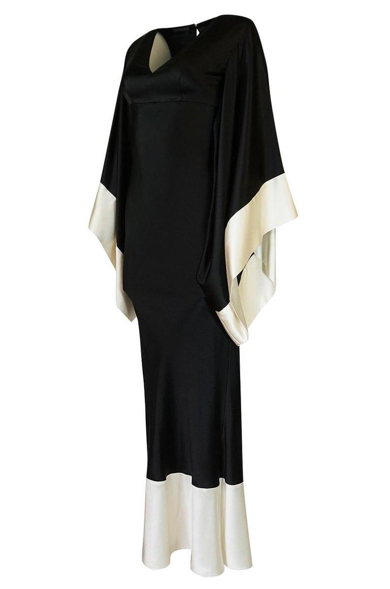 Women's Recent Alexander McQueen Kimono Sleeve Black & White Silk Dress For Sale